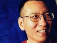 Лауреата Нобелевской премии мира освободили из китайской тюрьмы