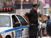 В Нью-Йорке автомобиль въехал в толпу людей
