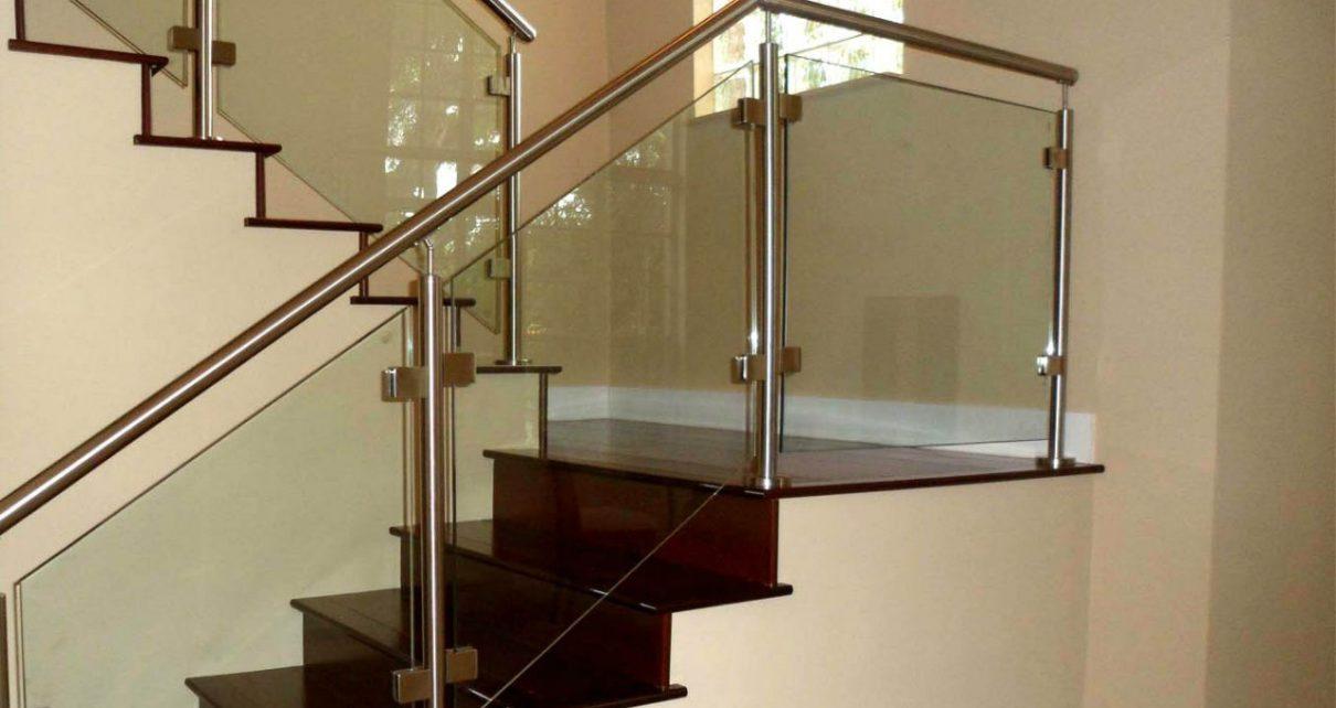 Стеклянные ограждения лестницы от компании АРМА